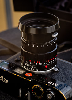 The original clip-on shade on the LHSA  edition of the 50mm APO-Summicron-M ASPH f/2.0