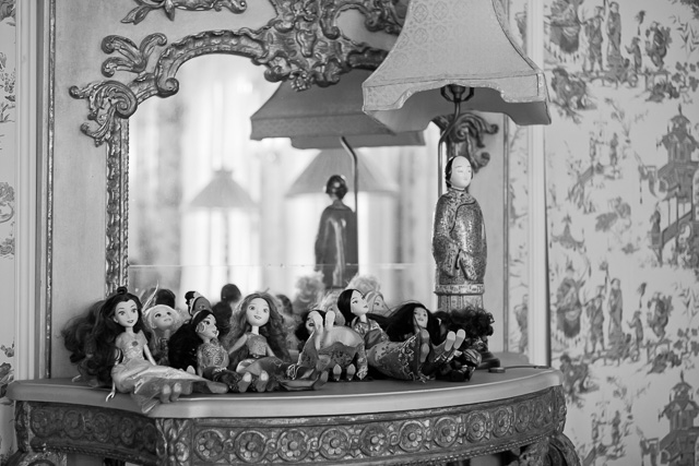 Robin's family of Disney dolls lined up. She picked them up in New York a few days ago. Leica M10 with Leica 50mm Summicron-M f/2.0 II Rigid.