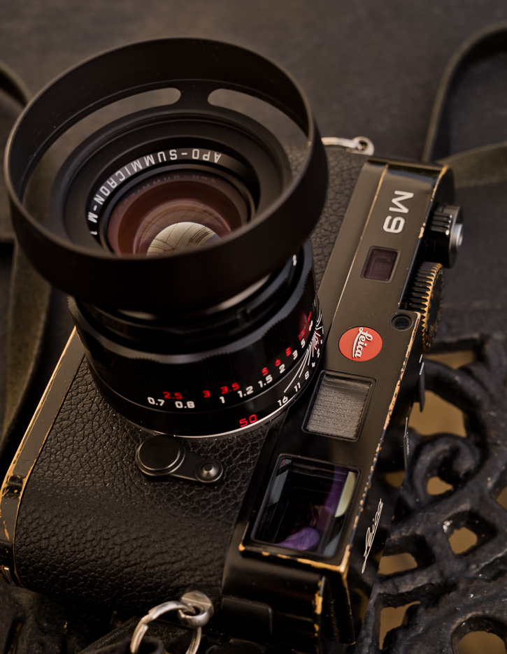 The LHSA-edition of the 50mm APO comes with a clip-on brass lens shade. The E39 fits and has the advantage that it's lighter and has a 46mm filter screw in the front.