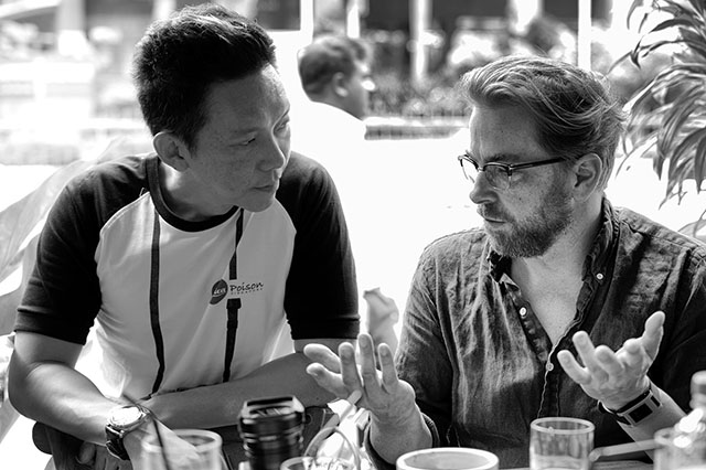 Yu-Ying Ng and me in serious discussion. Photo by Luciano Checco.