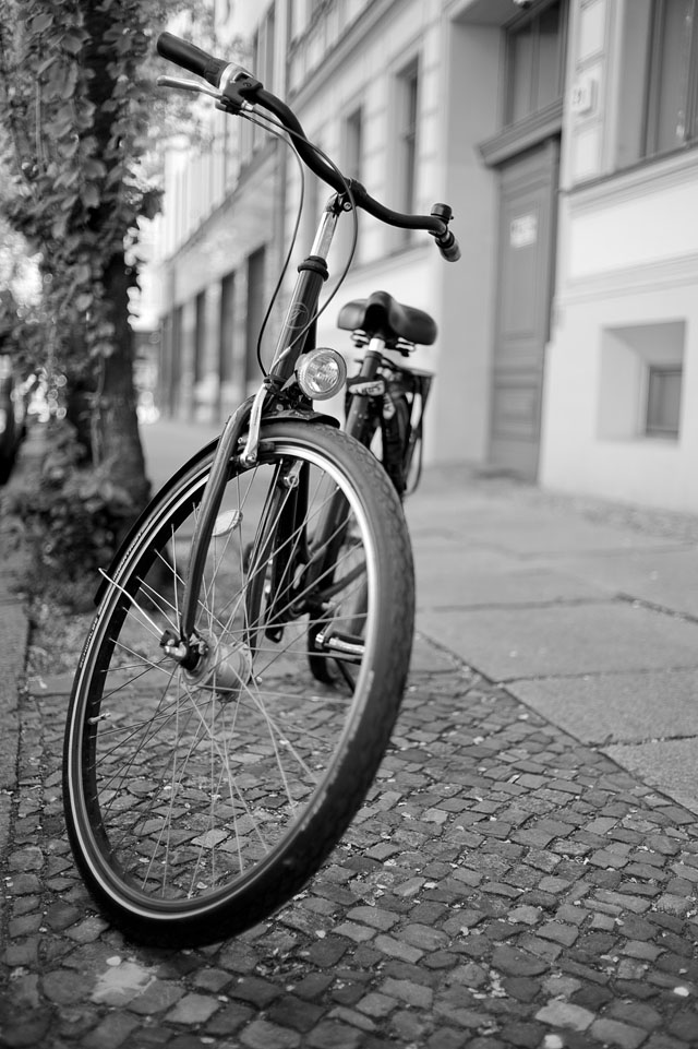 My daily bicycle photo ... in Berlin. Leica M9 with Leica 35mm Summilux-M AA f/1.4. © 2016 Thorsten Overgaard.