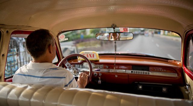 Taxi from the airport to Havana, Cuba. Leica M10 with Leica 28mm Summilux-M ASPH f/1.4. Copyright 2017-2018 Thorsten von Overgaard.