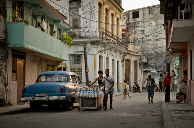 The last light just after sunset in Havana, Cuba. Leica M10 with Leica 50mm APO-Summicron-M ASPH f/2.0. Copyright 2017-2018 Thorsten von Overgaard.