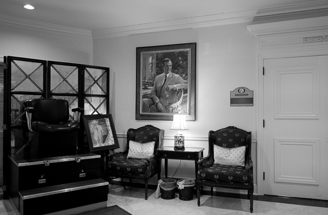 Inside the National Republican Club of Capitol Hill. Leica CL with Leica 18mm Elmarit-TL ASPH f/2.8. © 2018 Thorsten von Overgaard.