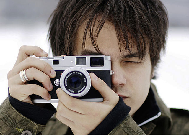 Singer and composer Jamie Cullum is an avid Leica user.