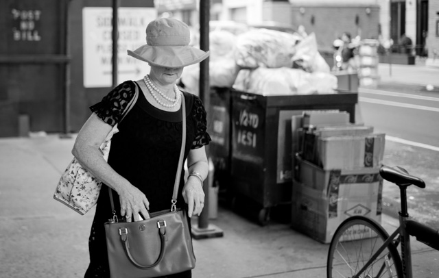 Shaded fashion in New York. Leica M-D 262 with Leica 35mm Summilux-M ASPH f/1.4 FL. © 2016 Thorsten Overgaard.