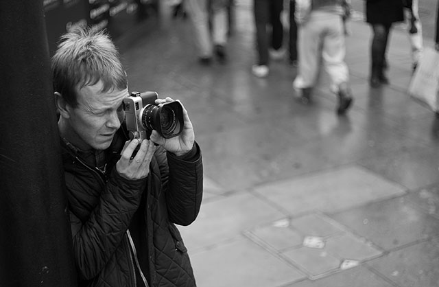 Graphic designer Charles Grant with his Leica Digilux 2 in 2009. © Thorsten Overgaard.