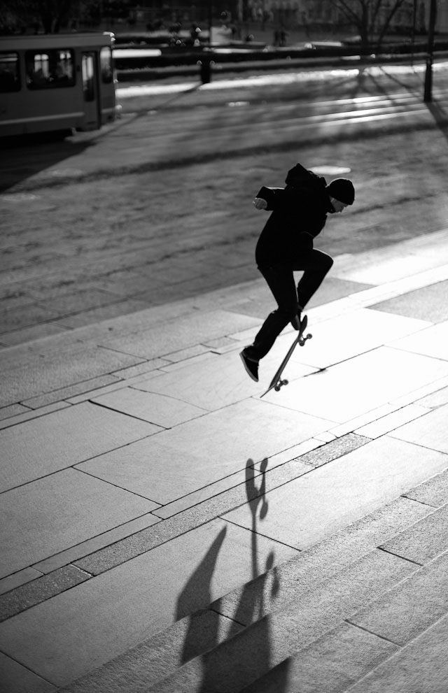 Skating in front of the Oslo City Hall in Norway. Leica M240 with Leica 50mm Noctilux-M ASPH f/0.95. © 2013-2016 Thorsten Overgaard.