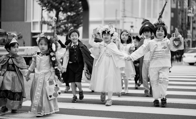 Children's Halloween in Tokyo, Japan. Leica M-D 262 with Leica 50mm Summilux-M ASPH f/1.4 Black Chrome. © 2016 Thorsten Overgaard.