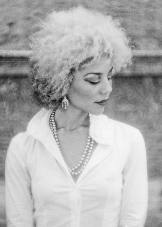 Joy Villa photographed in Rome with Leica M 240 and Leitz 90mm Thambar f/2.2 at f/4.5 (with soft center filter). © 2014 Thorsten Overgaard.