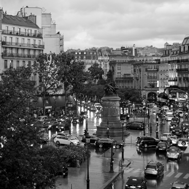 Paris evening traffic in the rain at Place de Clinchy. Leica TL with Leica 35mm Summilux-TL ASPH f/1.4. © Thorsten Overgaard.