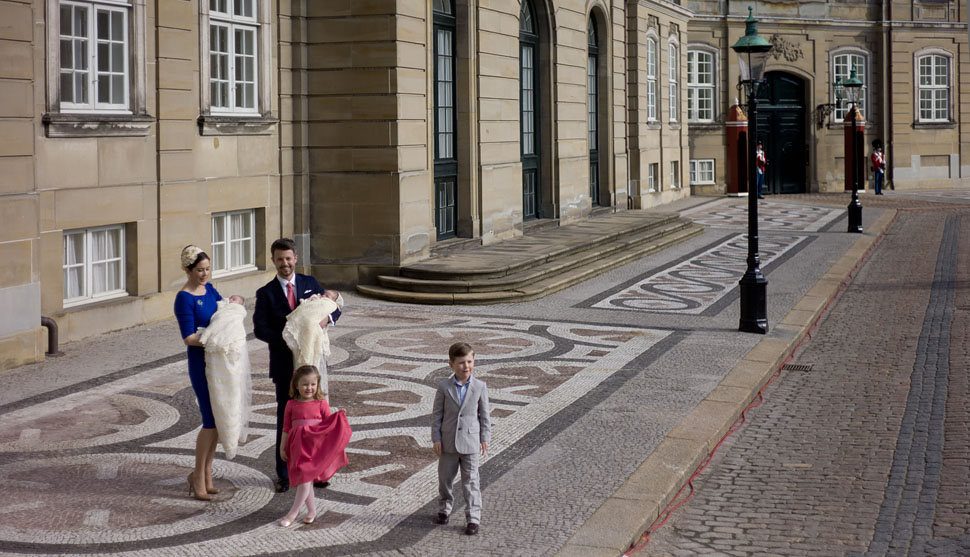 HRH The Crown Prince Frederik & HRH The Crown Princess Mary with their four children i front of the royal palace Amalienborg in Copenhage. © Thorsten von Overgaard.