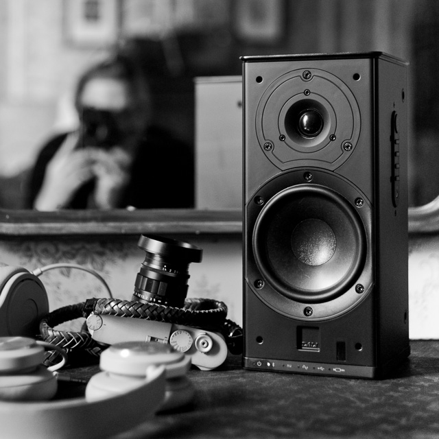 I'm going to stay in LA for a little while, so I ordered one more of the Dali Kubik free bluetooth speakers so I have two of them set up to deliver stereo sound. Leica M9 with Leica 40mm Summicron-C f/2.0. © 2018 Thorsten von Overgaard.