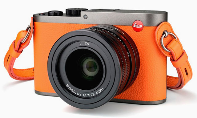 One of the most beautiful Leica Q versions is the Leica Ginza Six, celebrating the new Leica store in the Ginza Six mall in Tokyo. Released in orange and brown leather, 20 of each.
