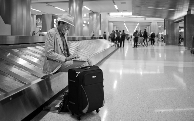 In the airport I met this always working editor of The Optimist, Mr. Jurriaan Kamp, utilizing the waiting time to the max. Leica M10 with Leica 28mm Summilux-M ASPH f/1.4. © 2017 Thorsten Overgaard.