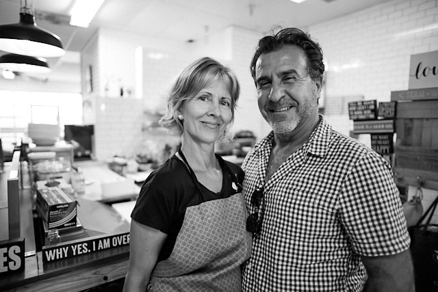 Laurie and Faut. Runs the cool Basimo Beach Cafe on Clearwater Beach, Florida. Leica M10-P with Leica 21mm Summilux-M ASPH f/1.4. © Thorsten Overgaard.
