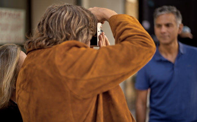 James and Ann photographing Sridhar in the New York Workshop. Leica M10-P with Leica 50mm Summilux-M ASPH f/1.4. © Thorsten Overgaard.