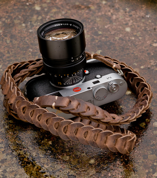 Special Edition Rock'n'Roll camera strap from rocknrollstraps.com. Waxed leather. Cigar Brown.