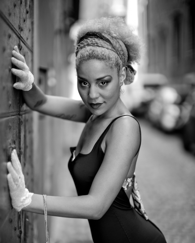 Princess Joy Villa modelling for the Rome Workshop. Leica M 246 with Leica 50mm Noctilux-M ASPH f/0.95.