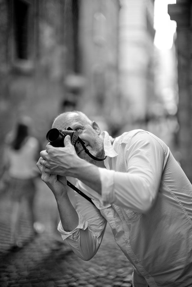 Award-winning Danish television videographer Morten Albek in Rome with his Leica. Photo: Thorsten Overgaard.