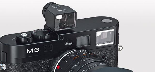 A 24mm external viewfinder on top of a Leica M8