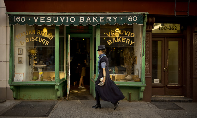 The Vesuvio Bakery on 160 Prince Street in New York. Leica M10 with Leica 28mm Summilux-M ASPH f/1.4. 400 ISO. © 2017 Thorsten Overgaard.
