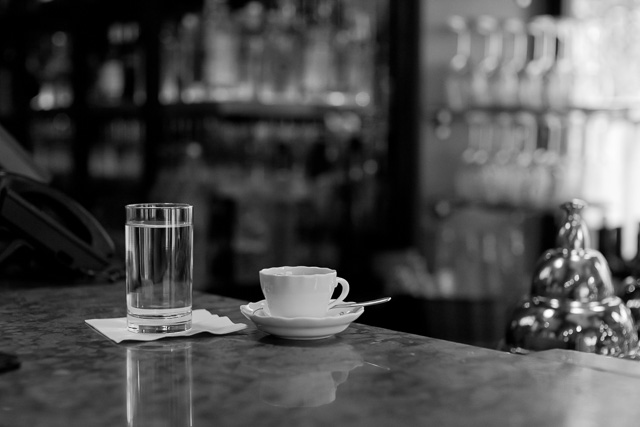 Brunch in New York. Leica M10 with Leica 50mm Noctilux-M ASPH f/0.95. © 2017 Thorsten von Overgaard.