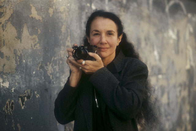 Mary Ellen Mark (1940-2015) with Leica in New York City in 1987