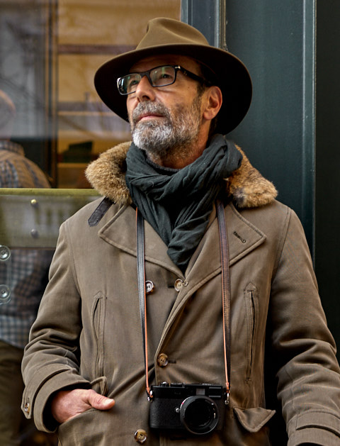 "The Black Calfskin Orange Edge Camera Strap ""Yosemite"" on the Leica MM of photographer Federico Quintana in New York."