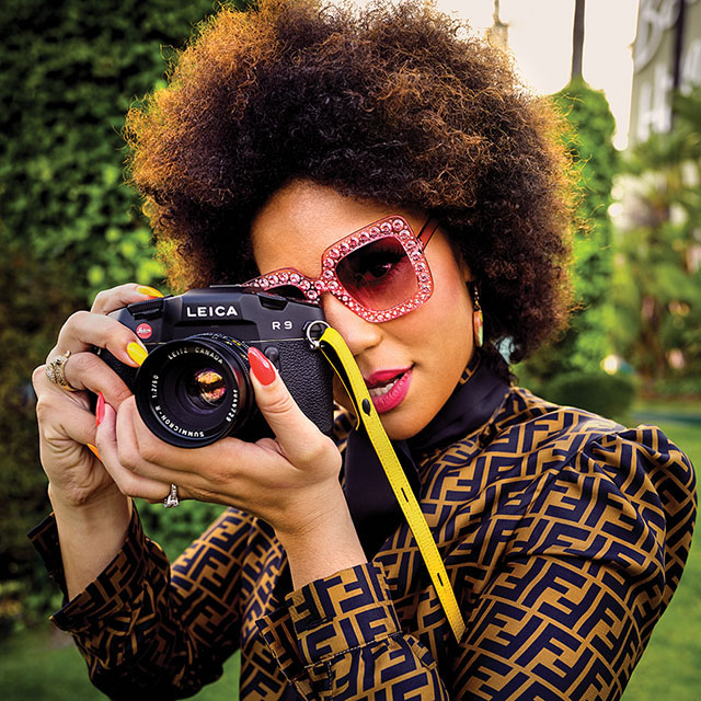 Leica R9 with a 50mm Summicron-R f/2.0 in the hands of Joy Villa in 2019. Photographed with Leica Q2. © Thorsten Overgaard.
