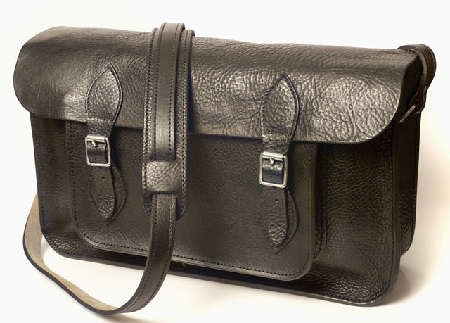 The 1901 Photographers 'RF fotoSatchel' from1901 fotografi in UK comes in Classic Black or brown. Price is around $400.00.