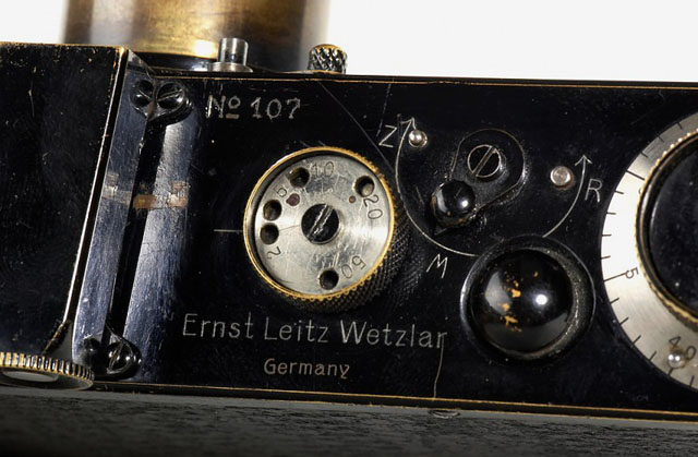 "The top plate of the Leitz 0-series Number 107 with the ""Germany"" engraved."