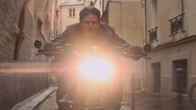 Lens flare in Mission Impossible Fallout (2019)