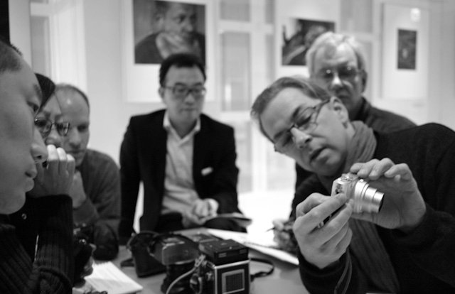 Thorsten explaining about small cameras at the seminar in Leica Gallery Tokyo in January 2011. Photo by Pieter Franken.