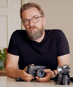 Thorsten Overgaard with the Leica M-D 262 from the Magic Of Light Television Set.